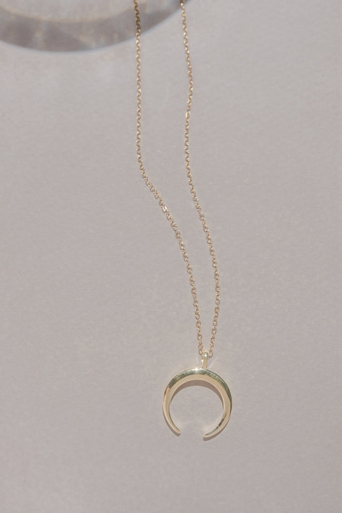 Crescent Moon Necklace - MUNS