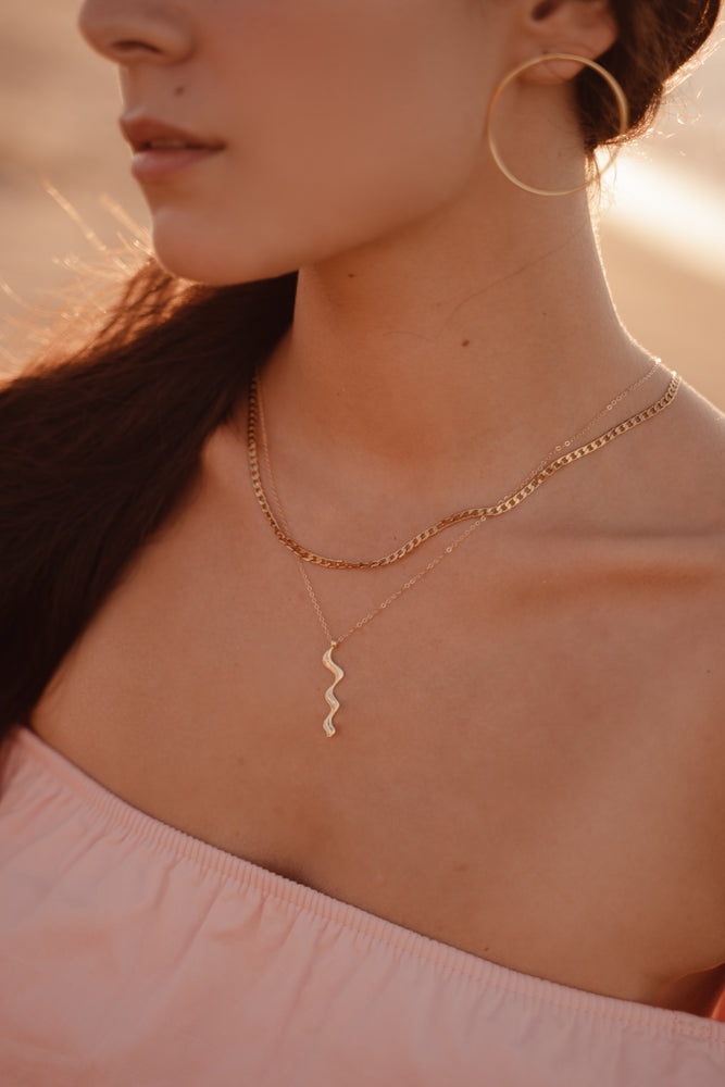 Curve Necklace - MUNS