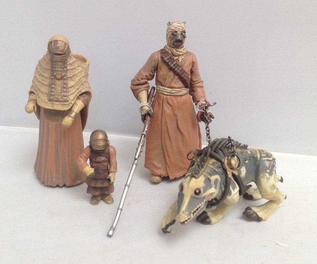 "Battle Pack Tusken Raider with Massiff and Female Tusken Raider 3.75"" Loose"