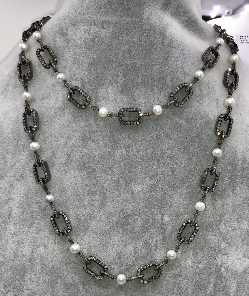 Pearl with diamond link chain