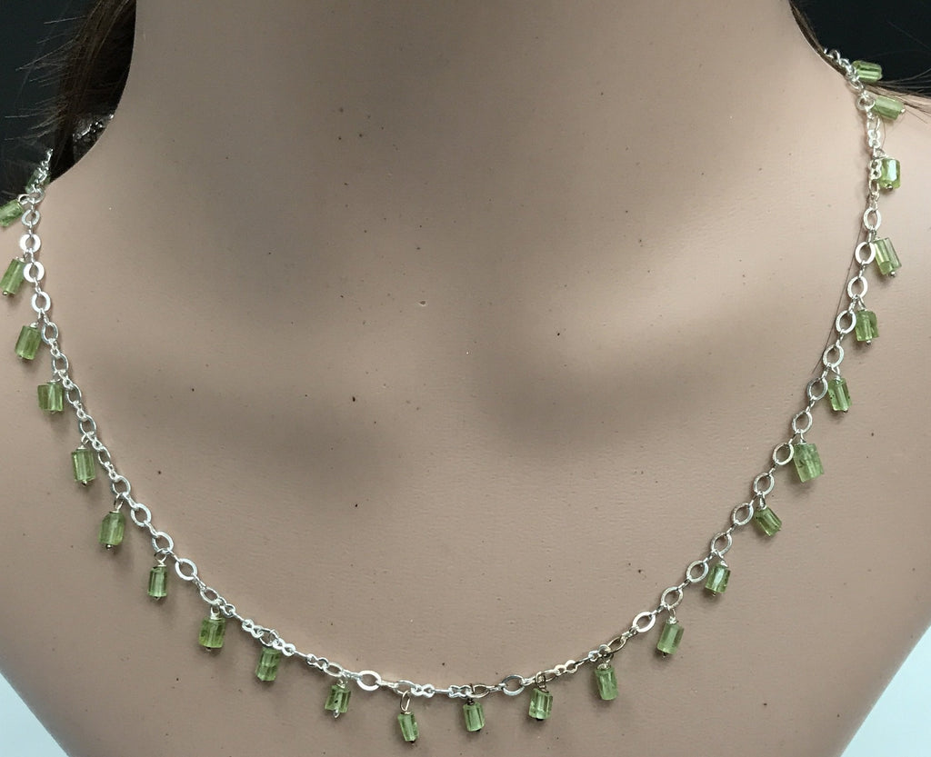 Peridot beads faceted tube shape silver necklace