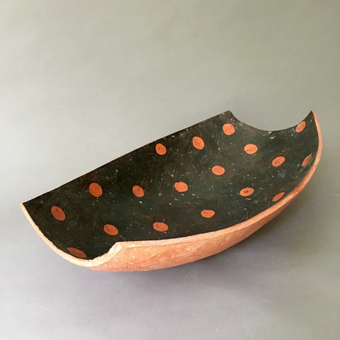 large platter/bowl with polka dots (#10.06.14.04)
