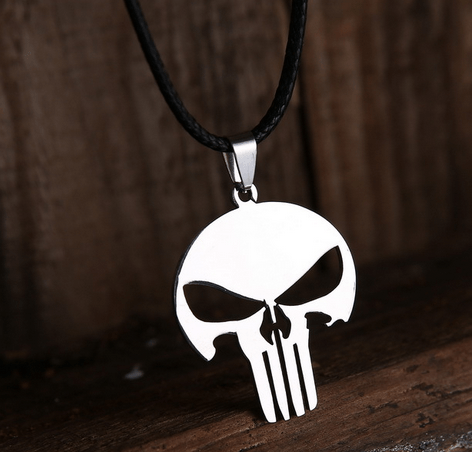 Collier le Punisher