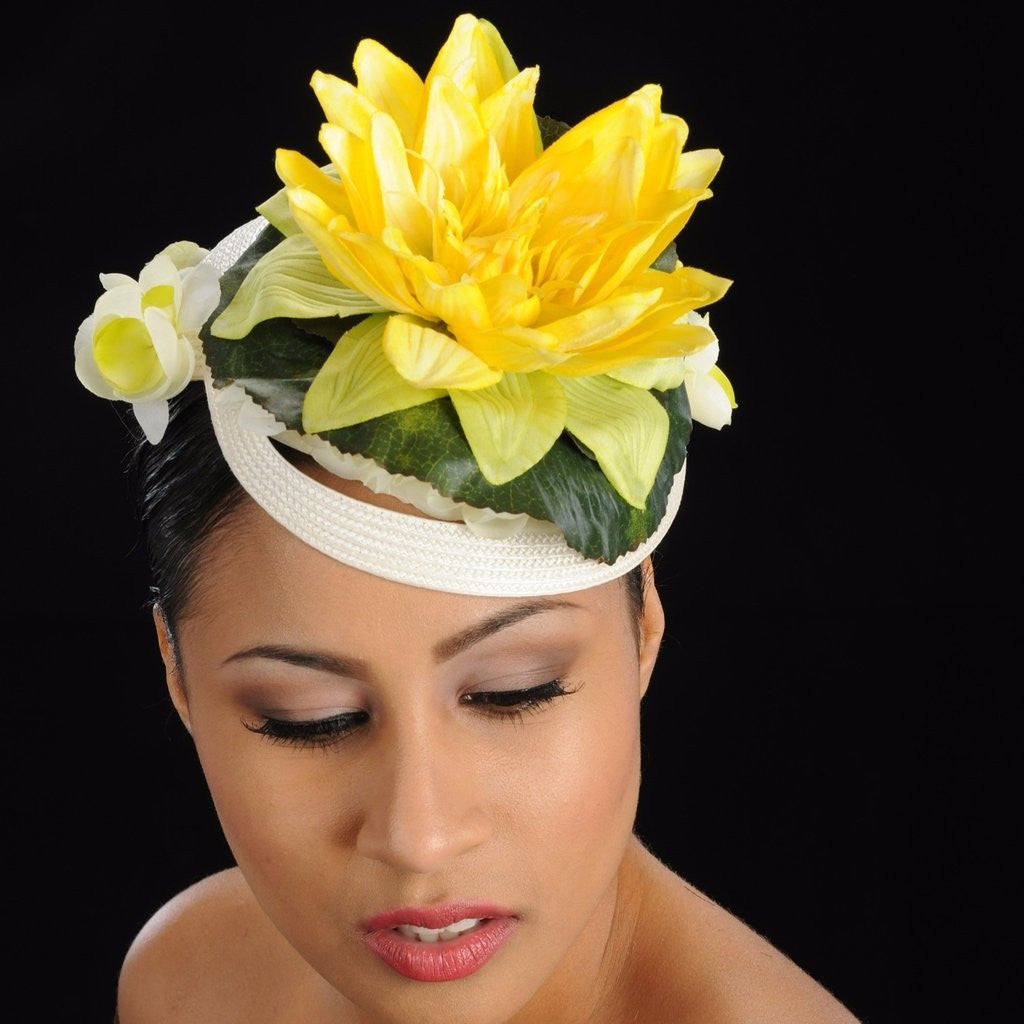 NA1002-Cream straw with yellow water flower fascinator dress hat - SHENOR COLLECTIONS