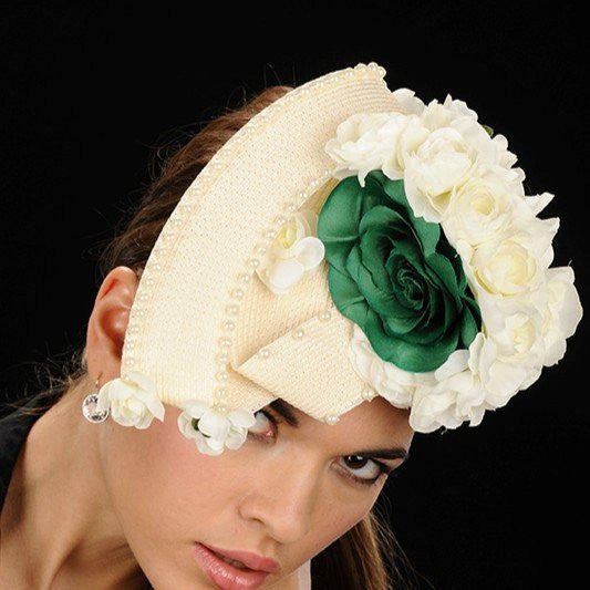 NA1014-Cream straw fascinator with green & cream pearl flowers - SHENOR COLLECTIONS