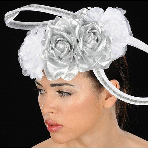 NA1017-Silver and white straw fascinator with bow and silver trims