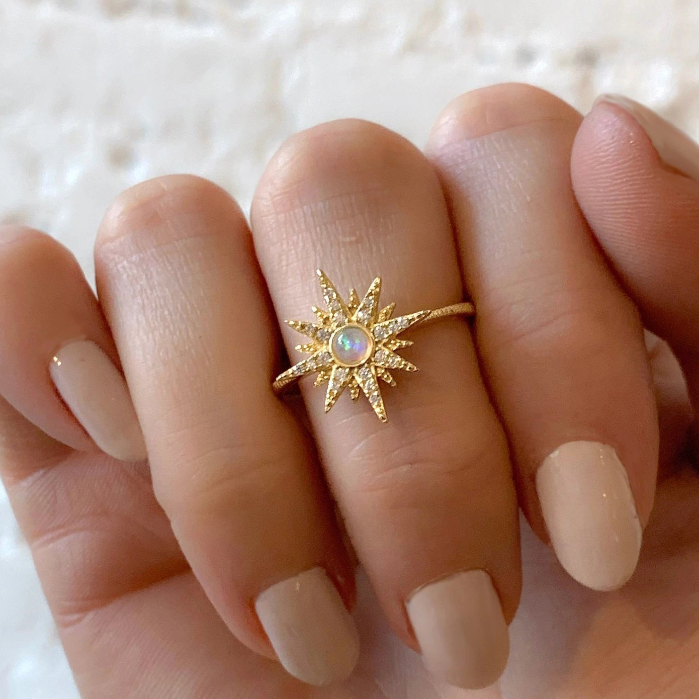 Yellow Gold Etoile Opal Ring