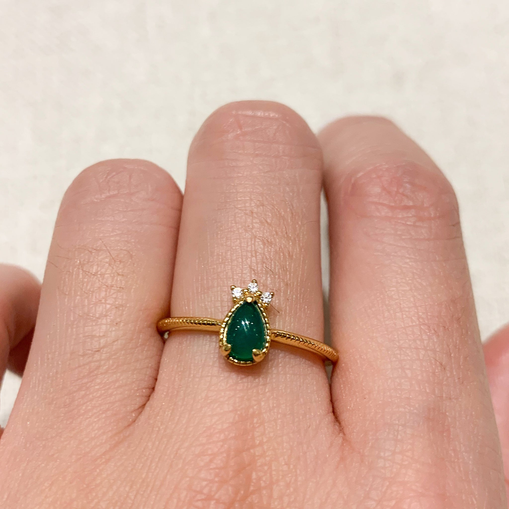 Yellow Gold Bee Green Onyx Ring