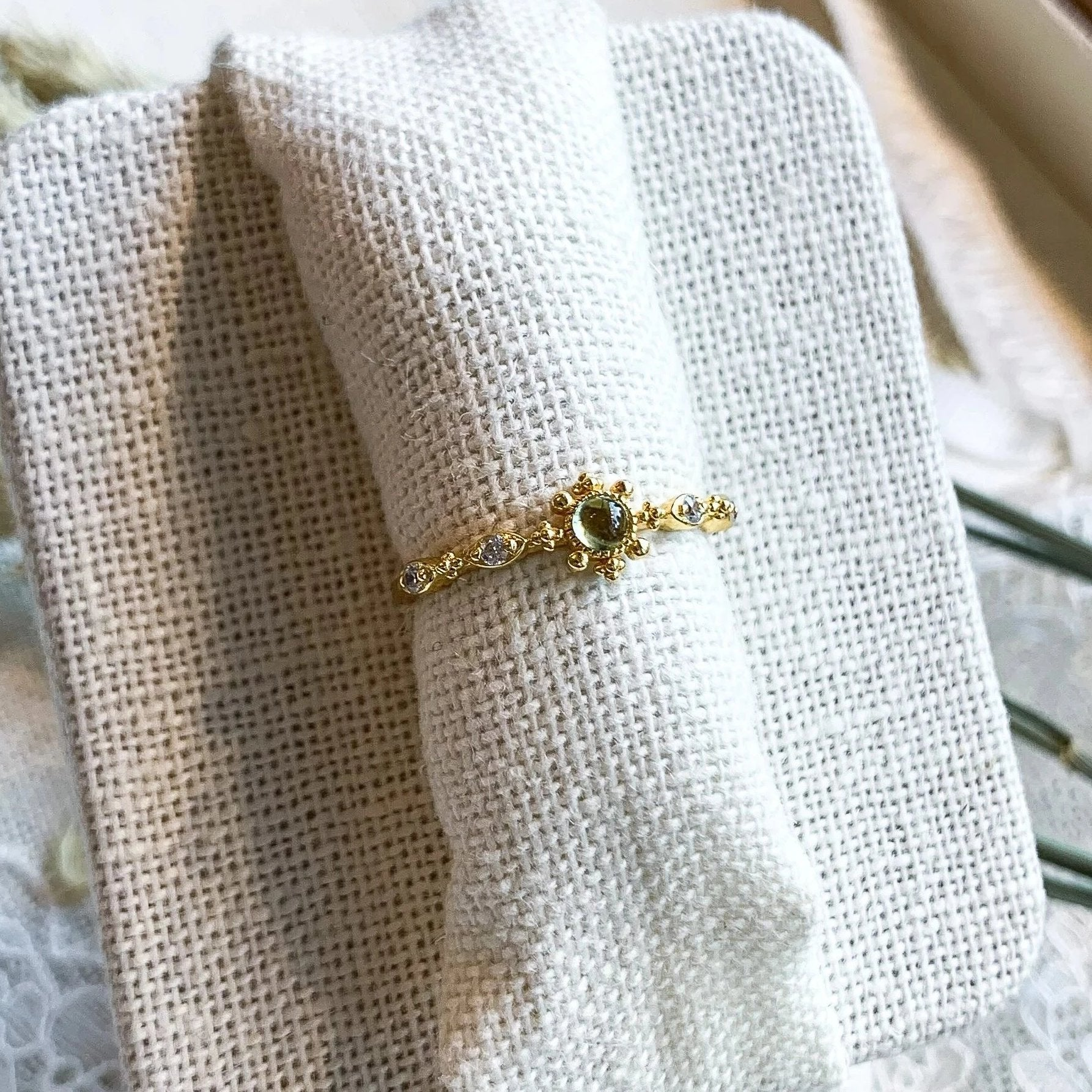 Yellow Gold Fleur Peridot Ring