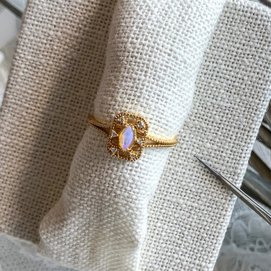 Yellow Gold Maia Opal Ring