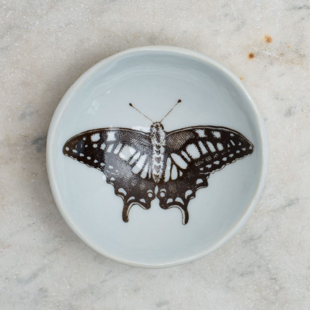 wood grain round dish-art & decor - decorative objects - kitchen & dining - serveware-skt ceramics-swallowtail-k colette
