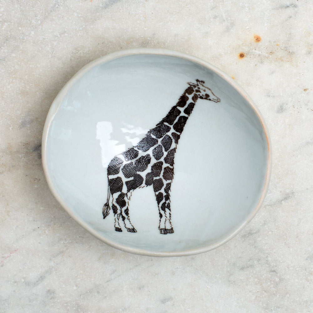 wood grain round dish-art & decor - decorative objects - kitchen & dining - serveware-skt ceramics-giraffe-k colette
