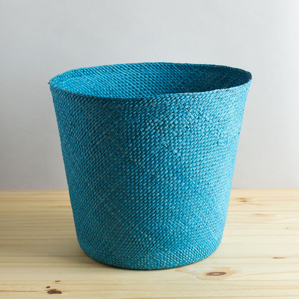 solid iraca basket, sky blue-art & decor - decorative objects-guanábana-Default-k colette