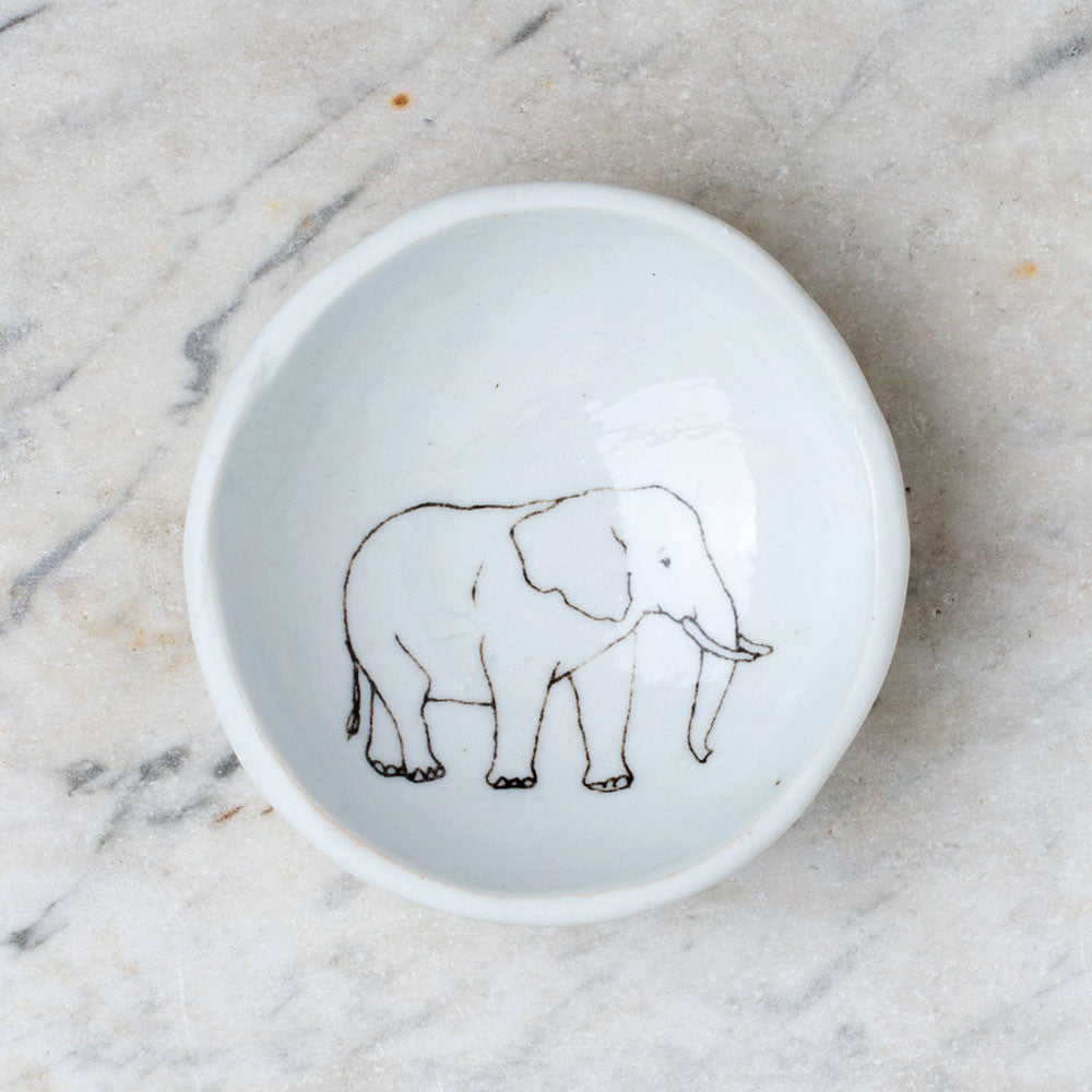 wood grain round dish-art & decor - decorative objects - kitchen & dining - serveware-skt ceramics-elephant-k colette
