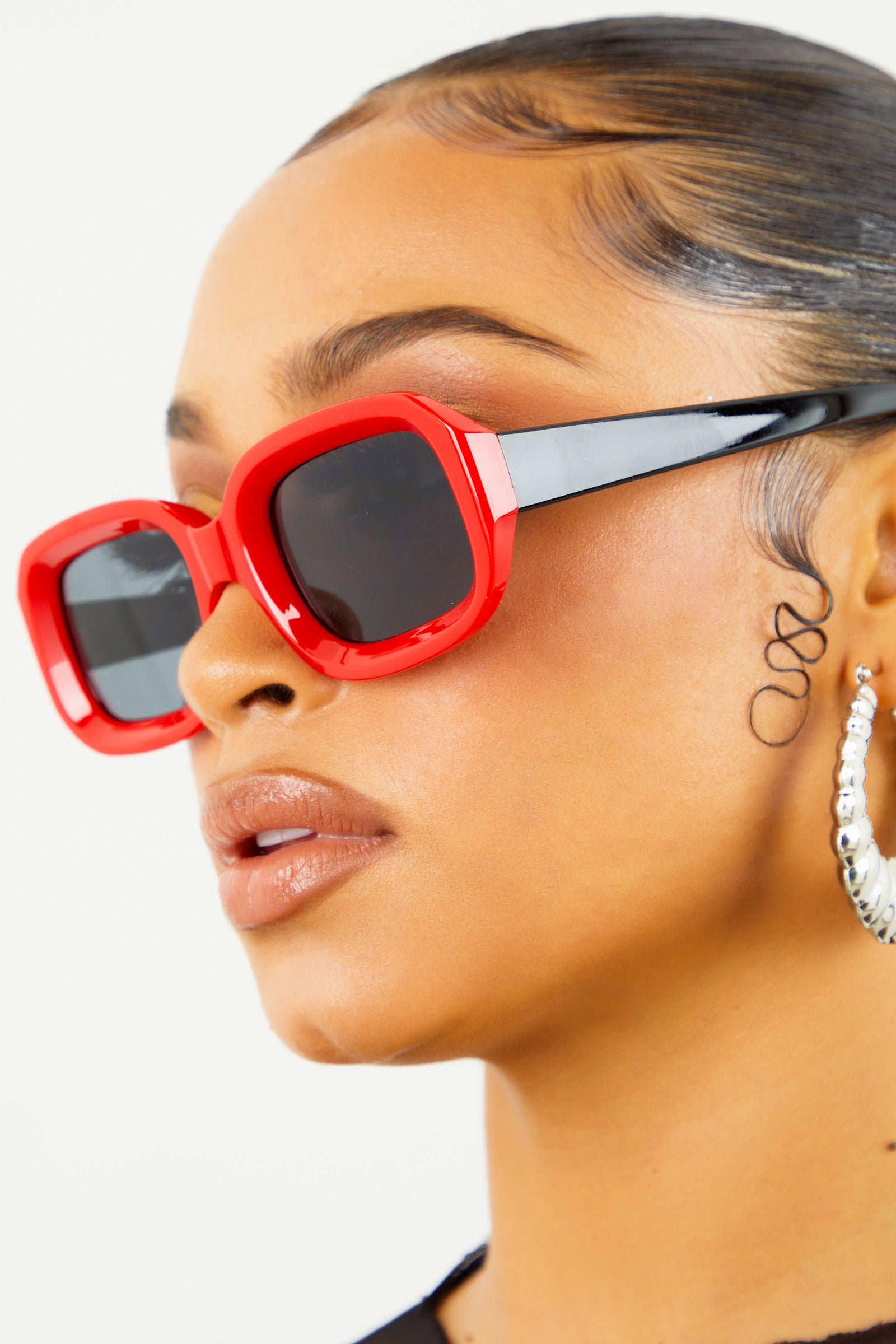 Red/Black Thick Frame Sunglasses