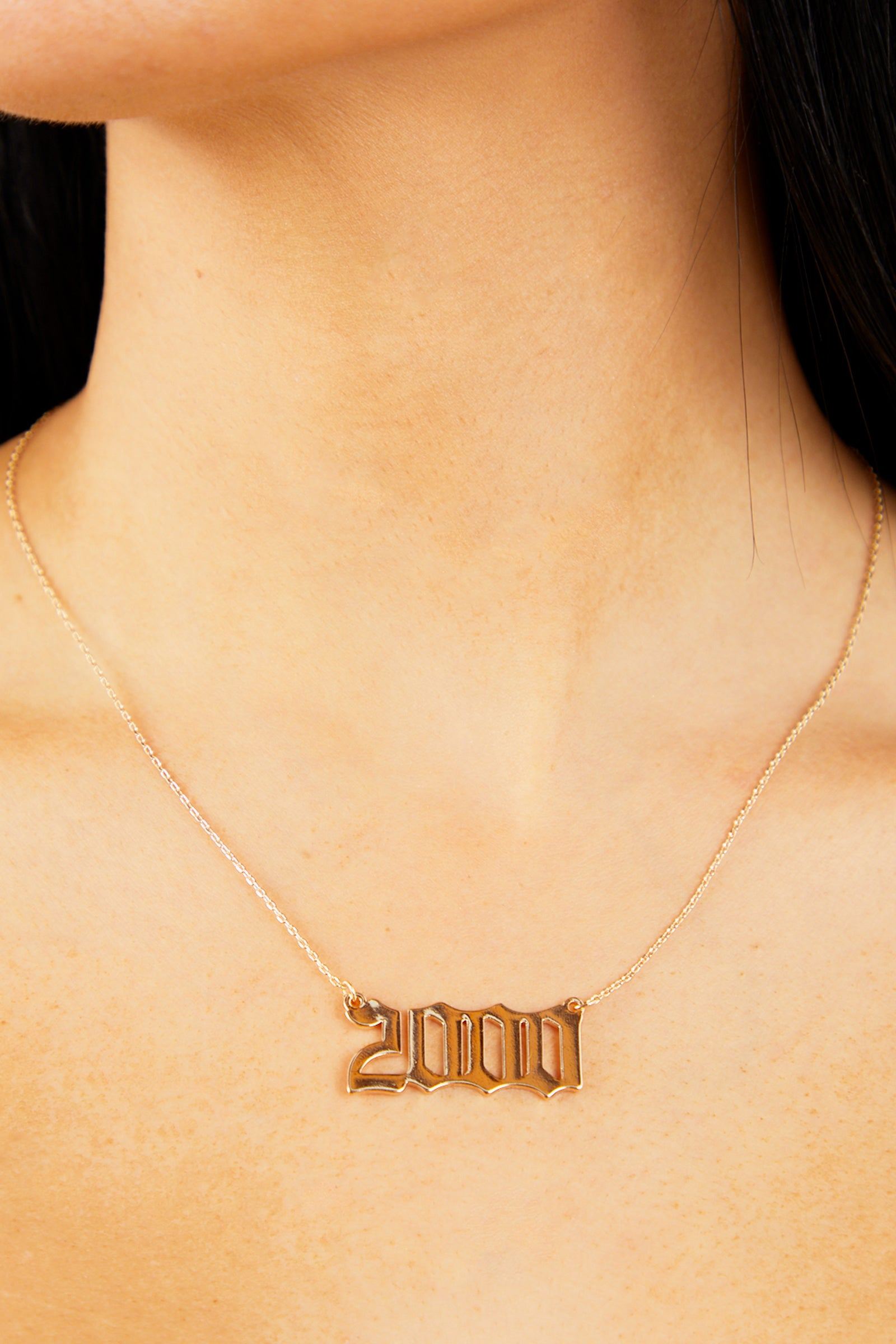2000 Pendant Necklace - Gold