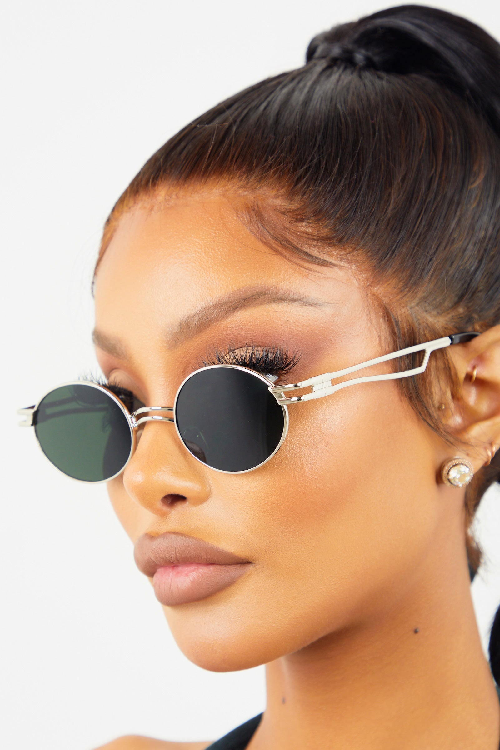 Round Retro Sunglasses - Black/Silver