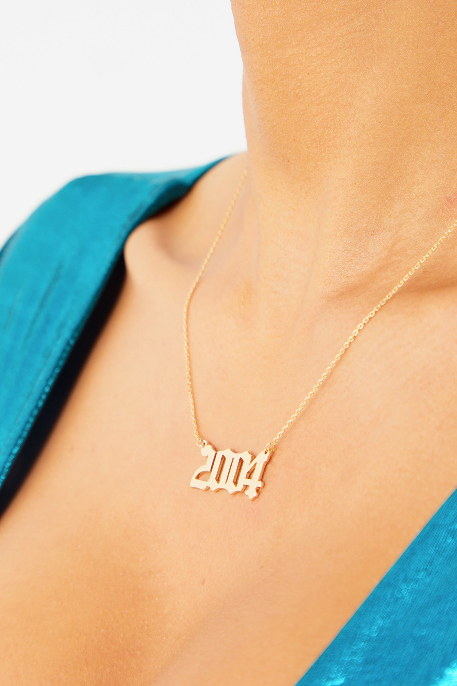 2004 Pendant Necklace - Gold