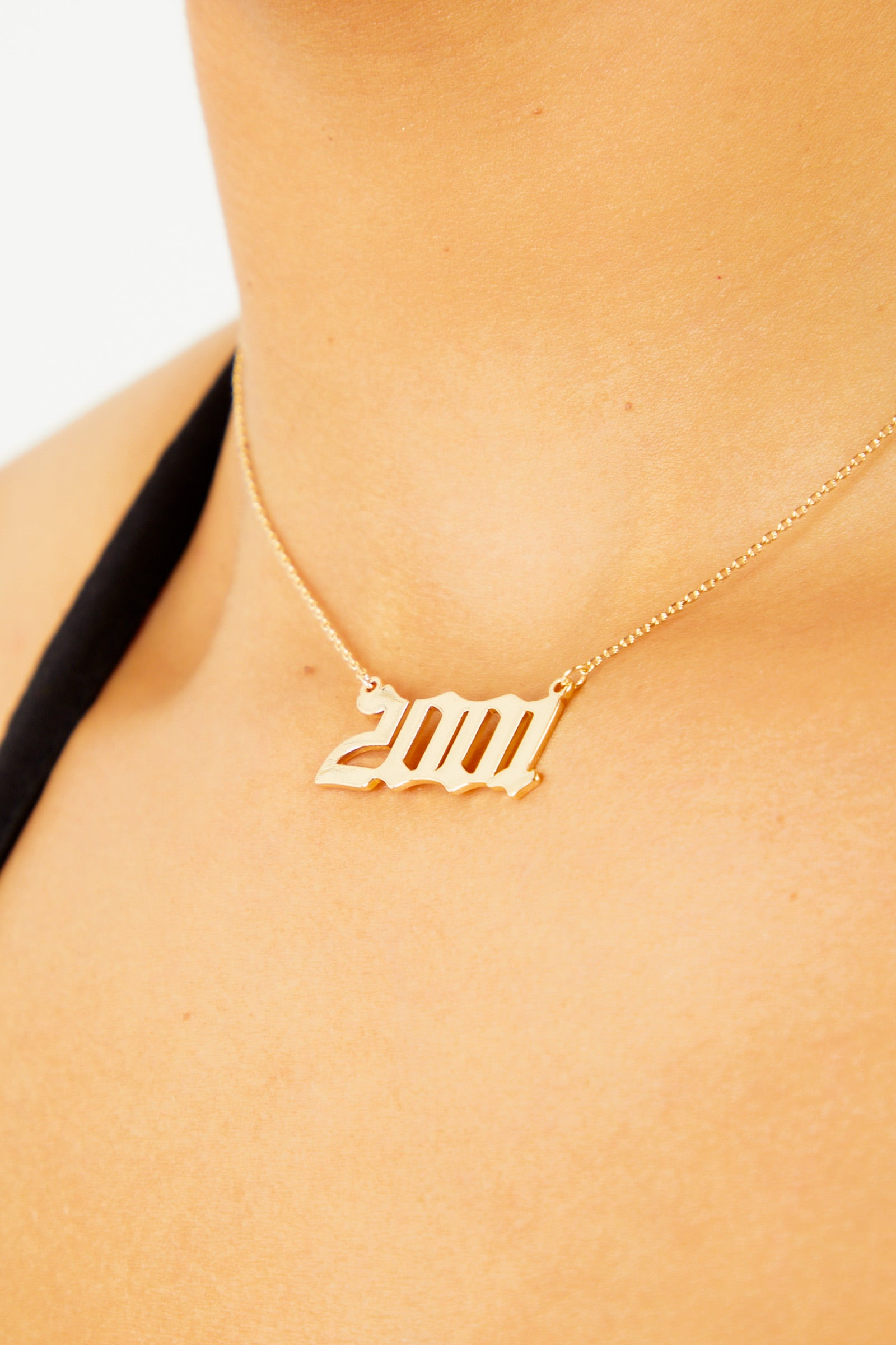 2001 Pendant Necklace - Gold