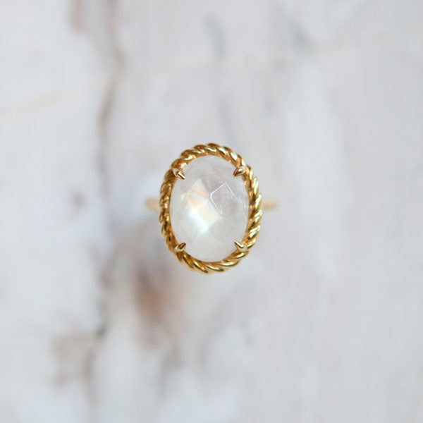 Bespoke Rainbow Moonstone Ring in 18K Italian Gold