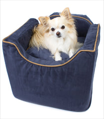 Chihuahua in Navy Lookout Dog Car Seat