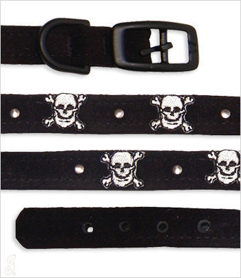 Black dog collar with white skull & crossbones