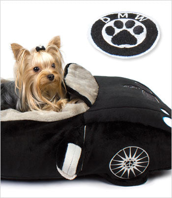 DMW plush car dog bed