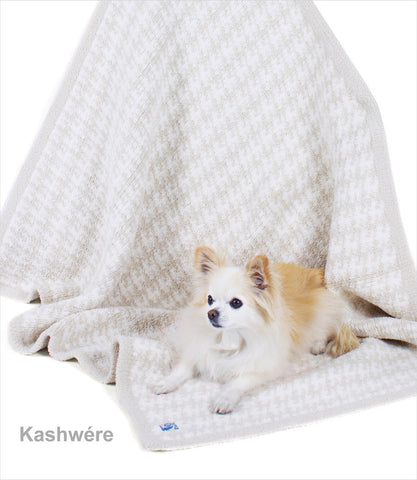 Kashwere Houndstooth Dog Blanket
