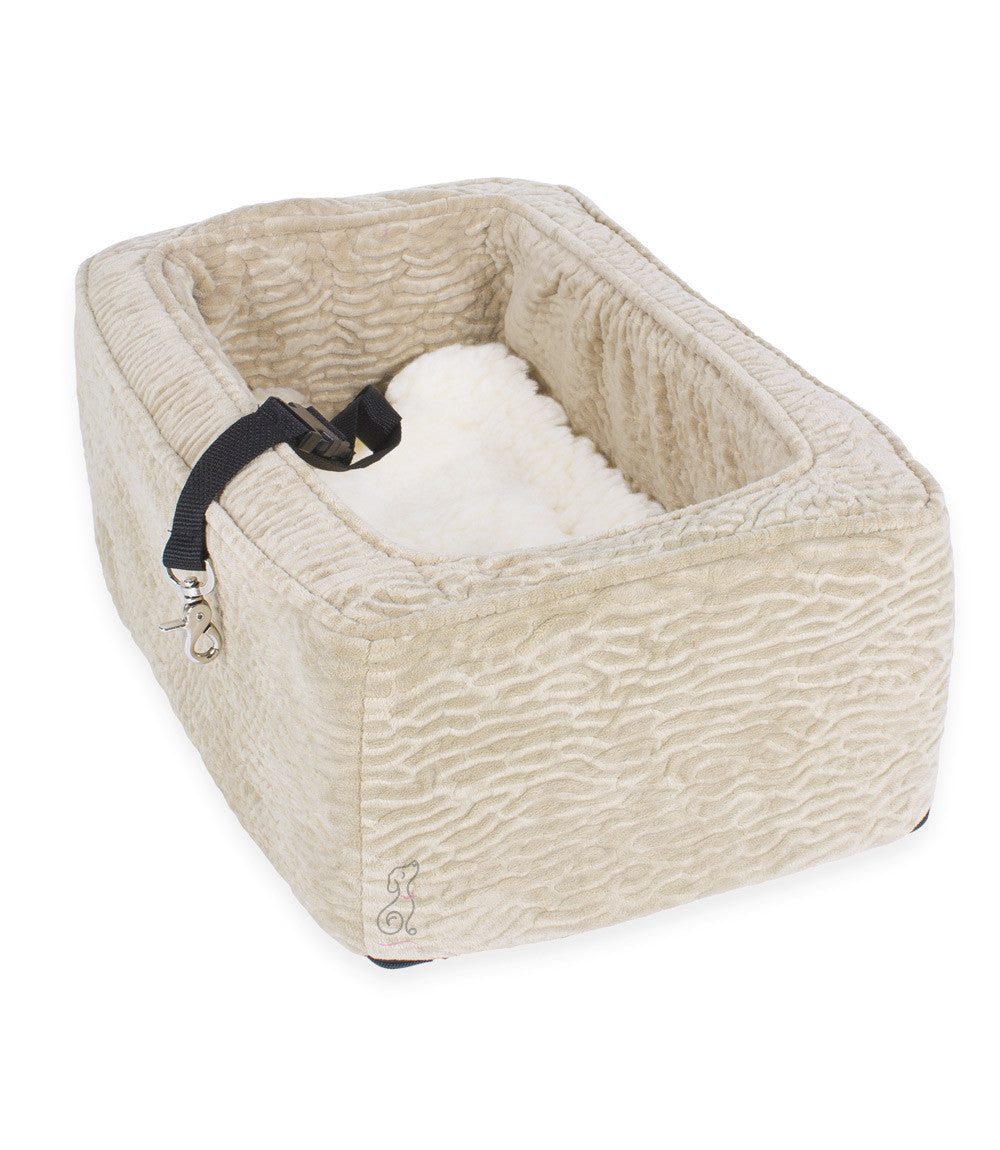 snoozer console dog car seat luxury microsuede large suv size g w little. Black Bedroom Furniture Sets. Home Design Ideas