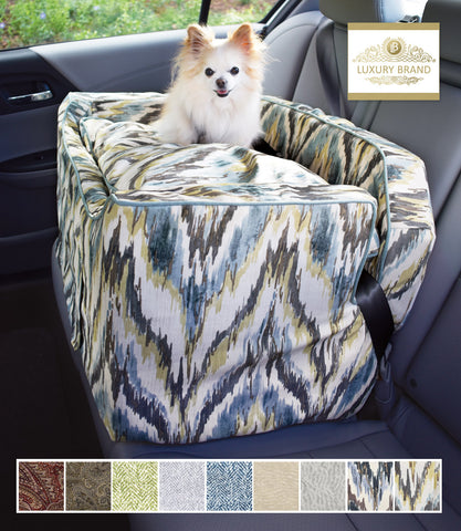 Tempest Spring Large Dog Luxury Lookout Car Seat in car