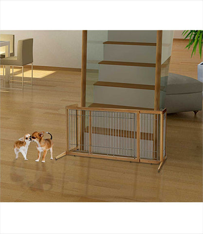 Freestanding pet gate in bamboo - side view