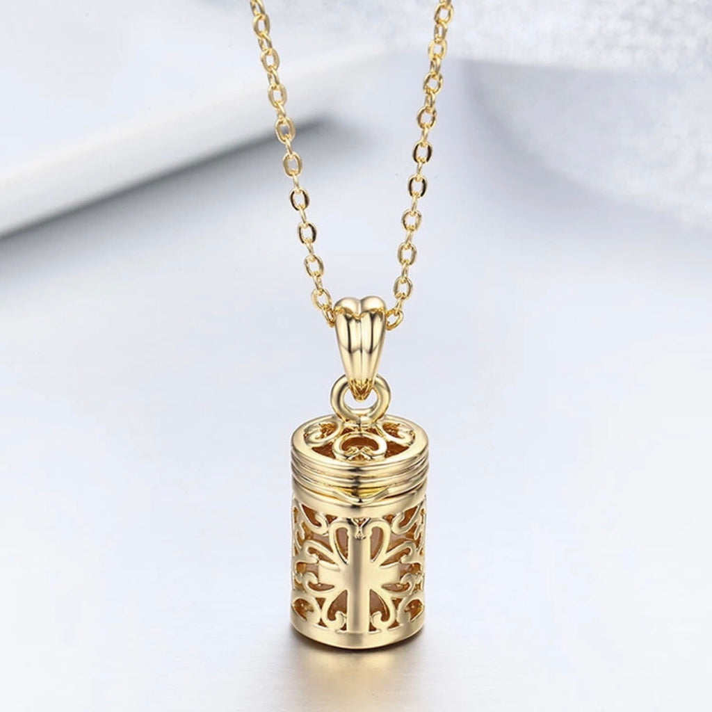 (97c) Filigree perfume bottle design essential oil diffuser necklace