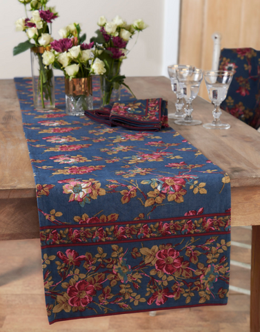April Cornell Table Runner, Wild Rose