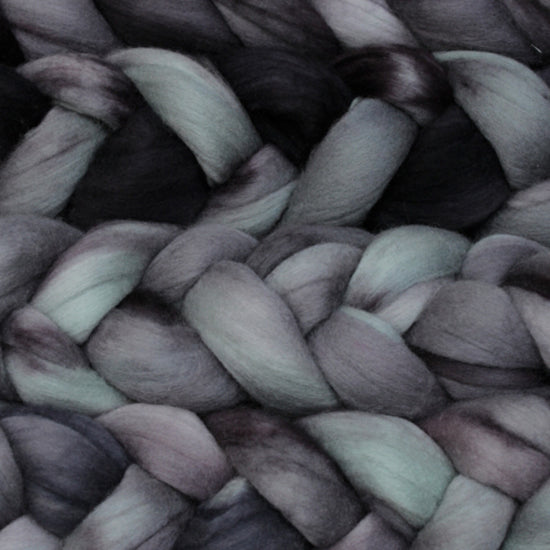 Nube - Knotty Lamb Yarn Shop