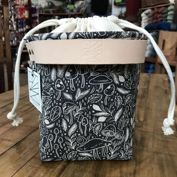 Drawstring Yarn Bowl - Knotty Lamb