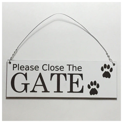 Please Close The Gate Sign with Paws Plaques & Signs The Renmy Store Small 15x5cm Hanging Sign