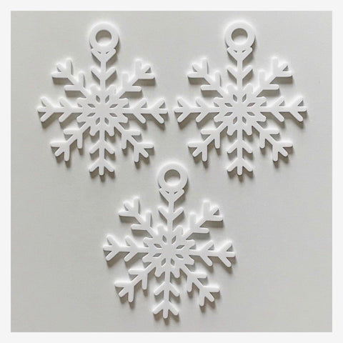 Snowflake Decoration Hanging Set Of 3 White Plastic Acrylic Country Decor Garden - The Renmy Store