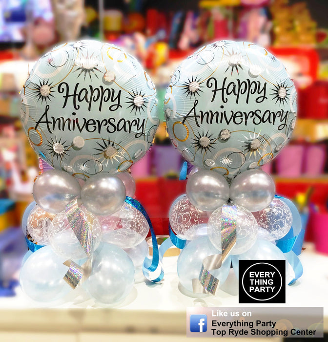 anniversary table balloon arrangement