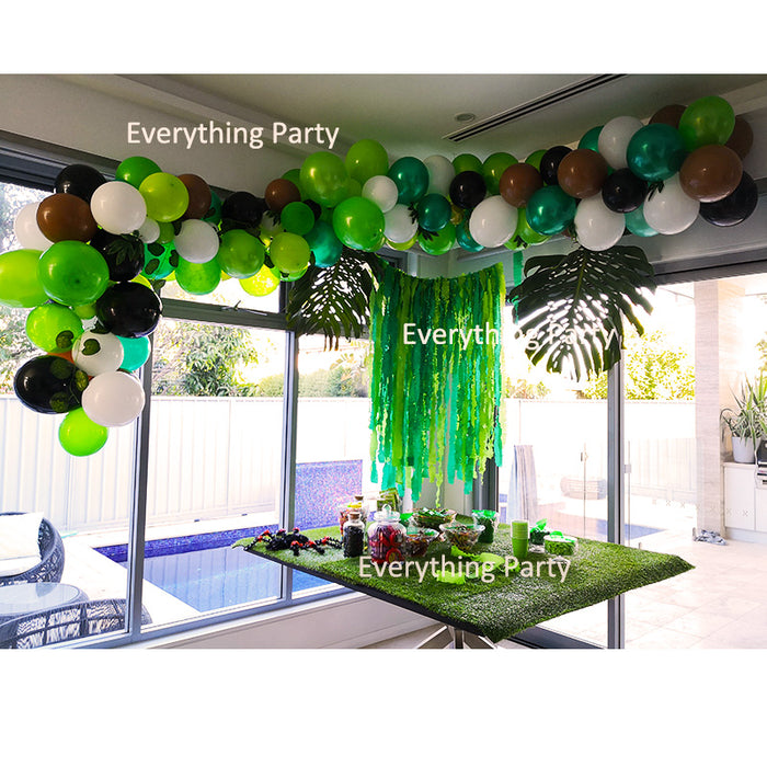 jungle theme balloon garland, balloon arch