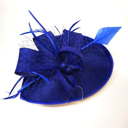 Fascinator with flowers and feathers