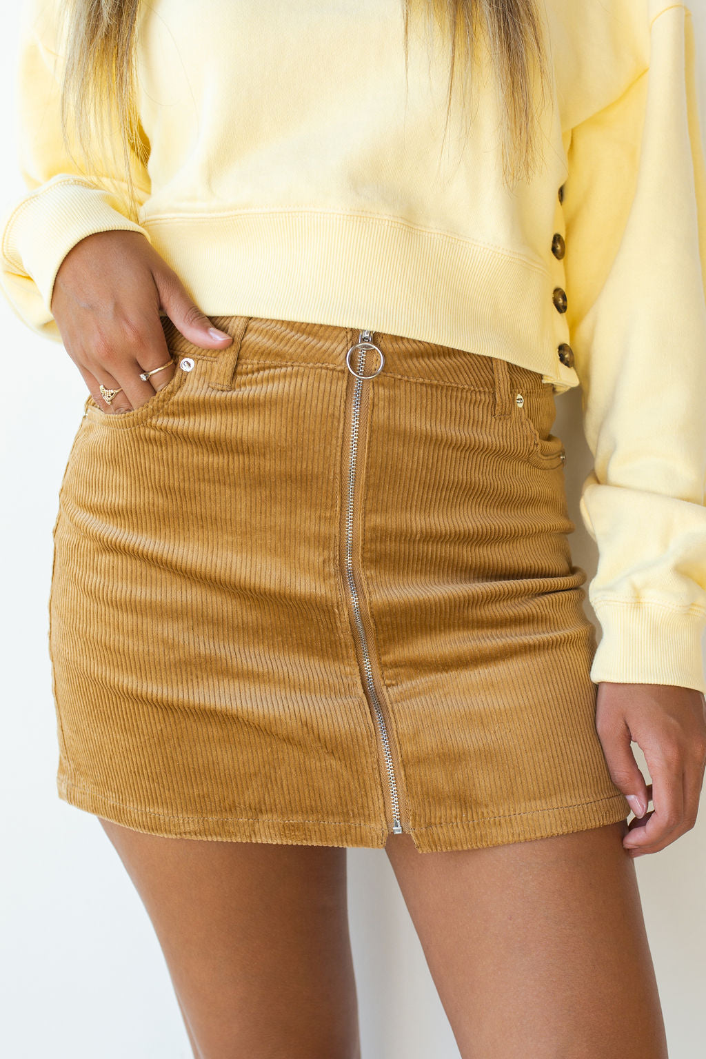 mode, free style zip front skirt