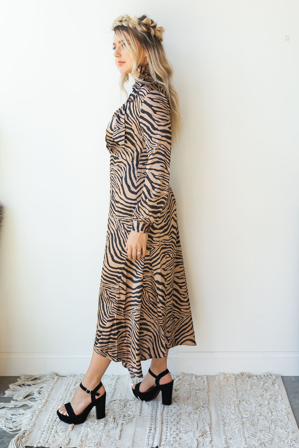 mode, jungle book tiger print dress