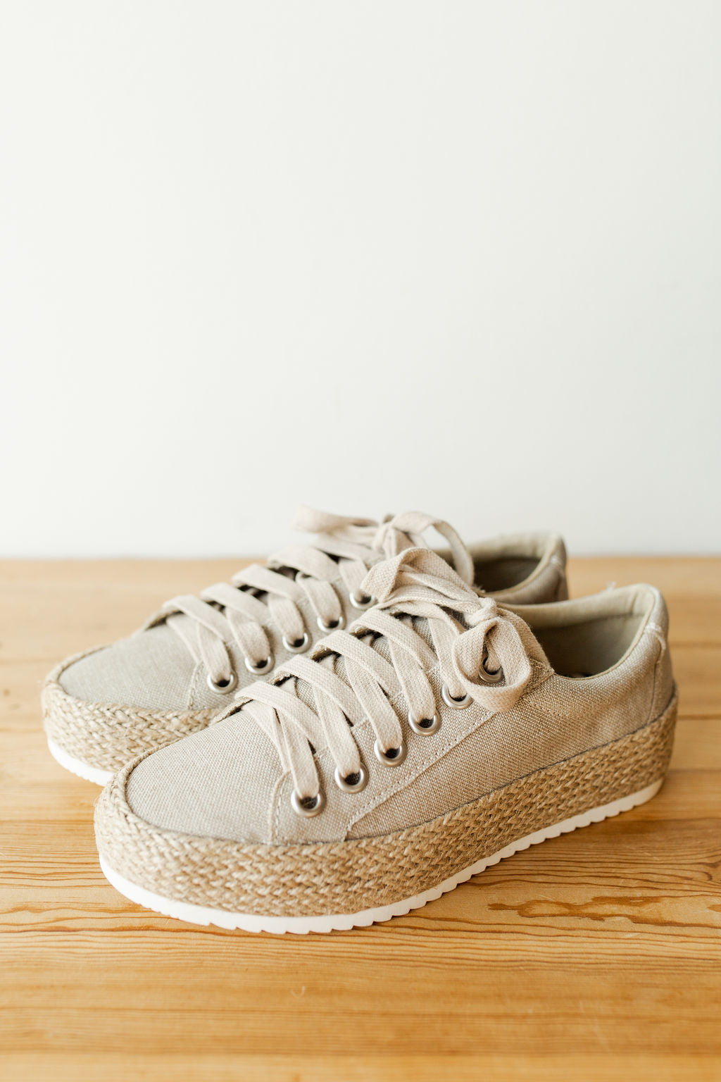 mode, sky high espadrille sneaker