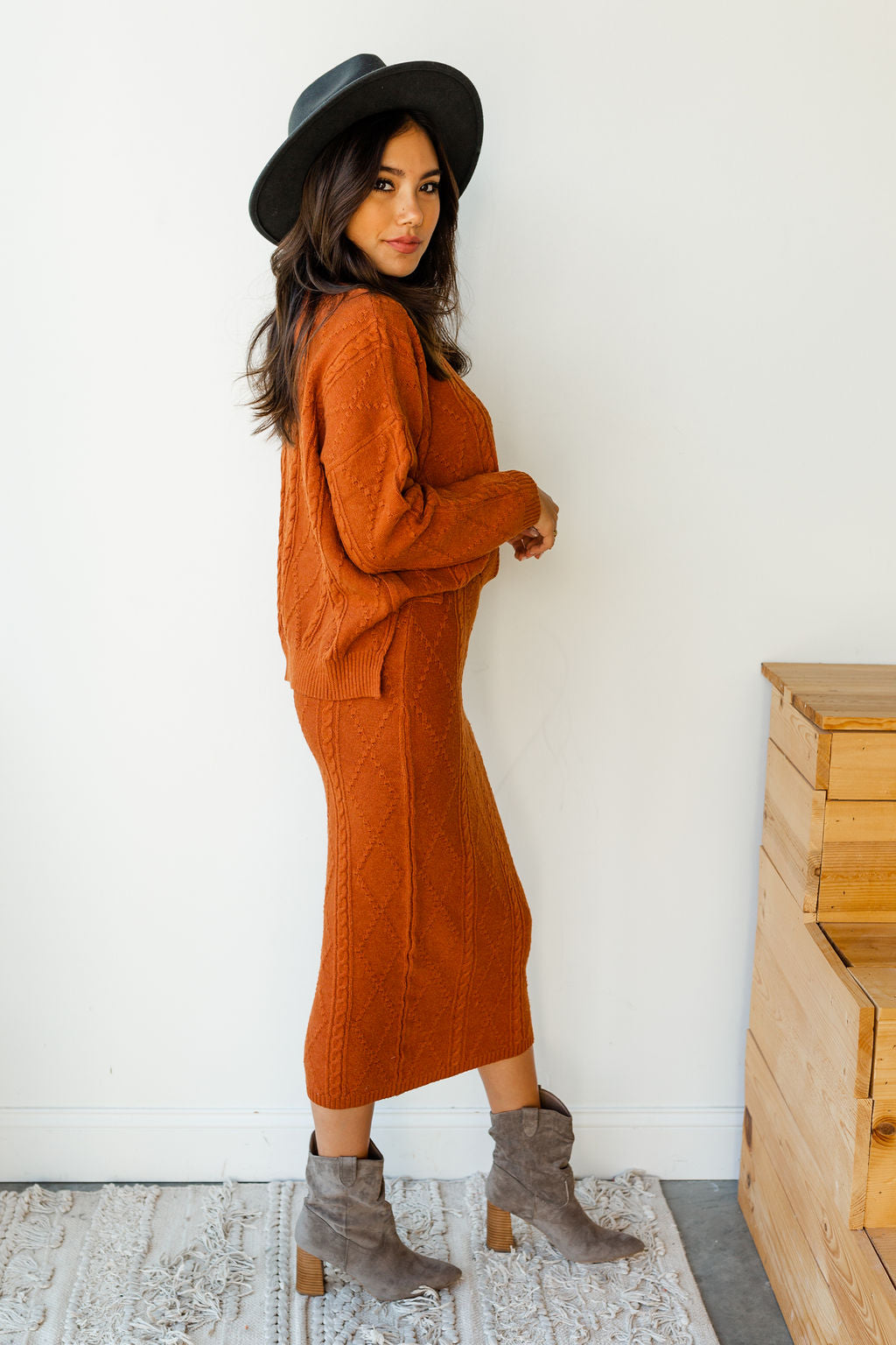 mode, fa la la la cableknit sweater set (skirt)