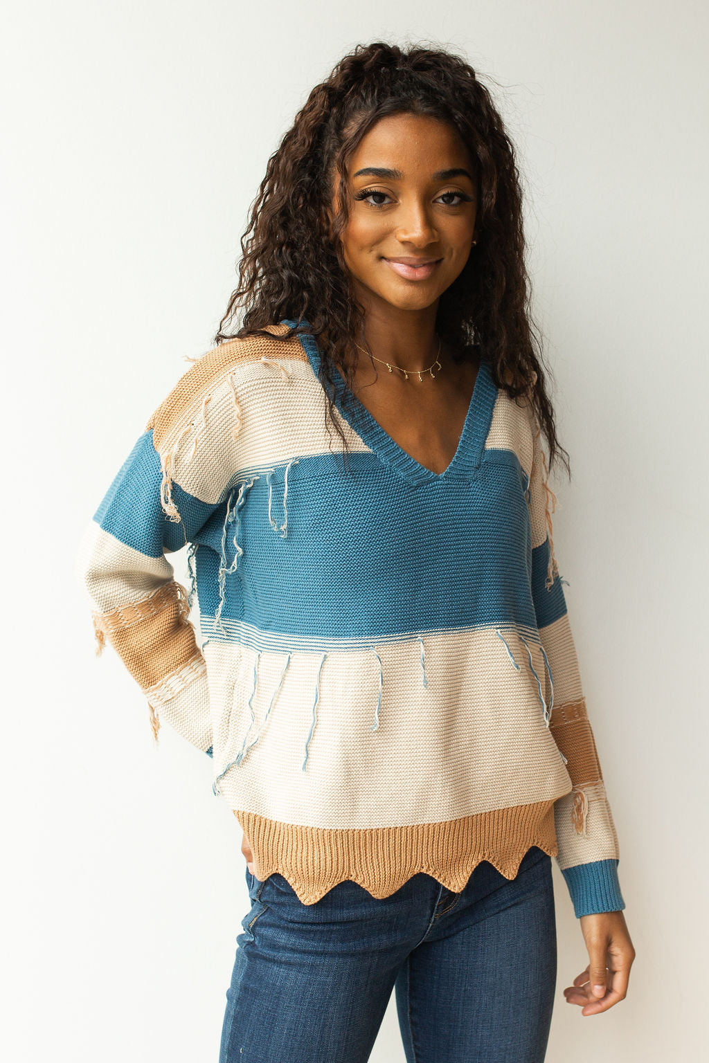 mode, distressed colorblock sweater