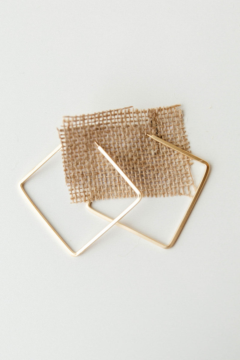 mode, hoop to be square earring