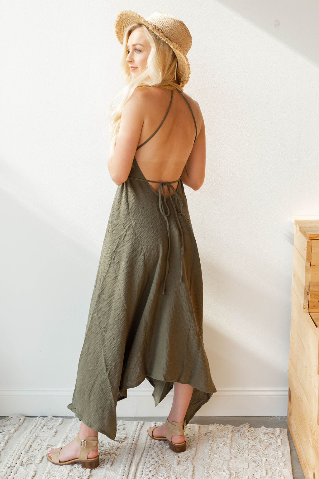 mode, staycation tie halter dress
