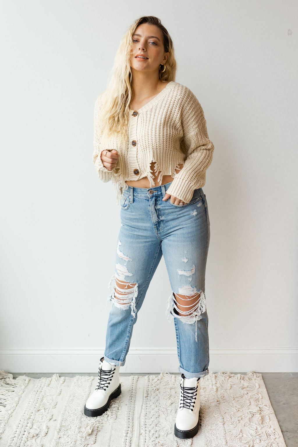mode, button down cropped cardigan