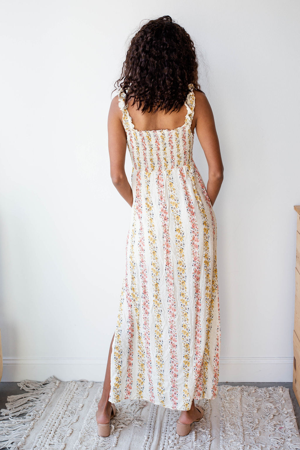 mode, picking wild flowers maxi