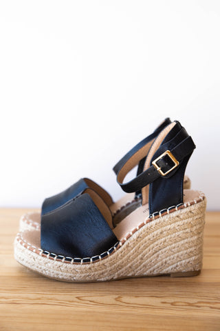pure delight slip on flatform
